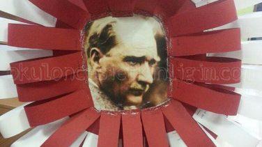 Şeritlerden Çelenk Yapımı – Atatürk Etkinliği